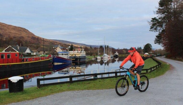 Cycling by the Caledonian Canal